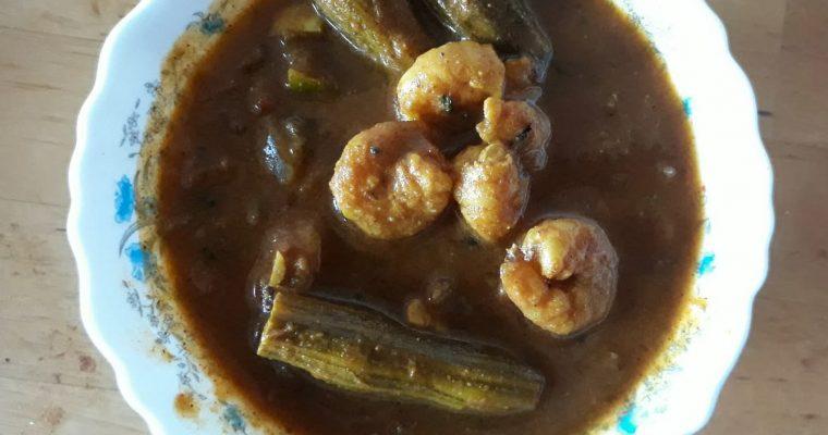 Eral Murungakai kuzhambu | Prawn Drumstick curry