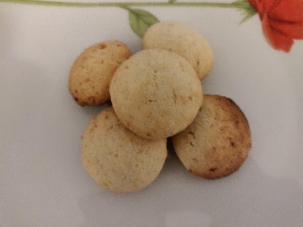 Coconut_cookies - 48359940_328525727734596_5622423828996030464_n.jpg
