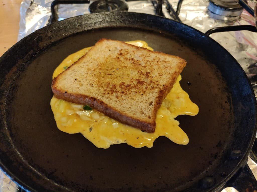 bread_omelette - 48422556_615394422215131_6875255322403930112_n.jpg
