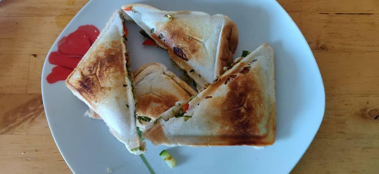 veg_toast - 52657749_336108873674129_1915833577572925440_n.jpg
