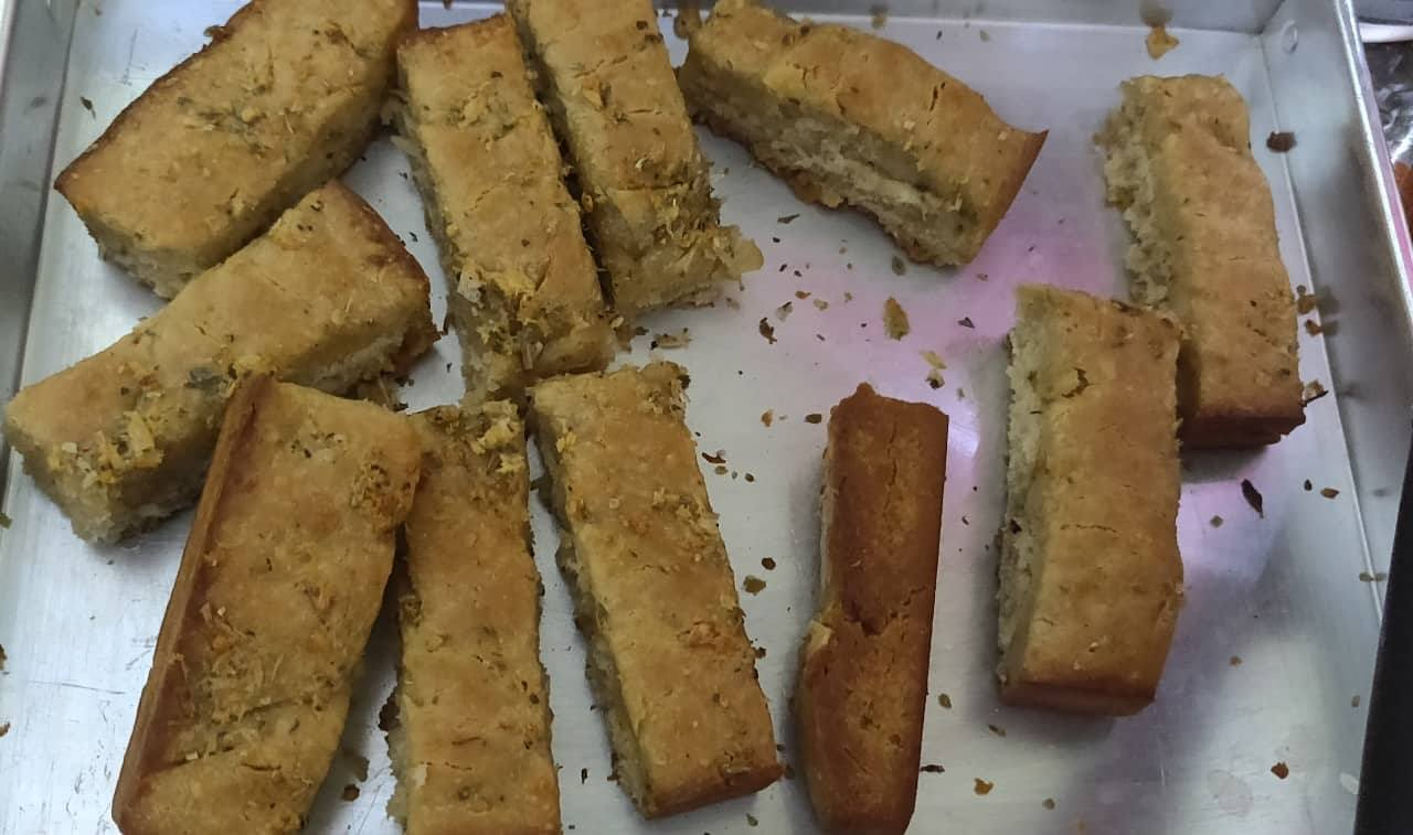 Garlic_bread_sticks - 54517270_617910415321093_8165064336746741760_n.jpg