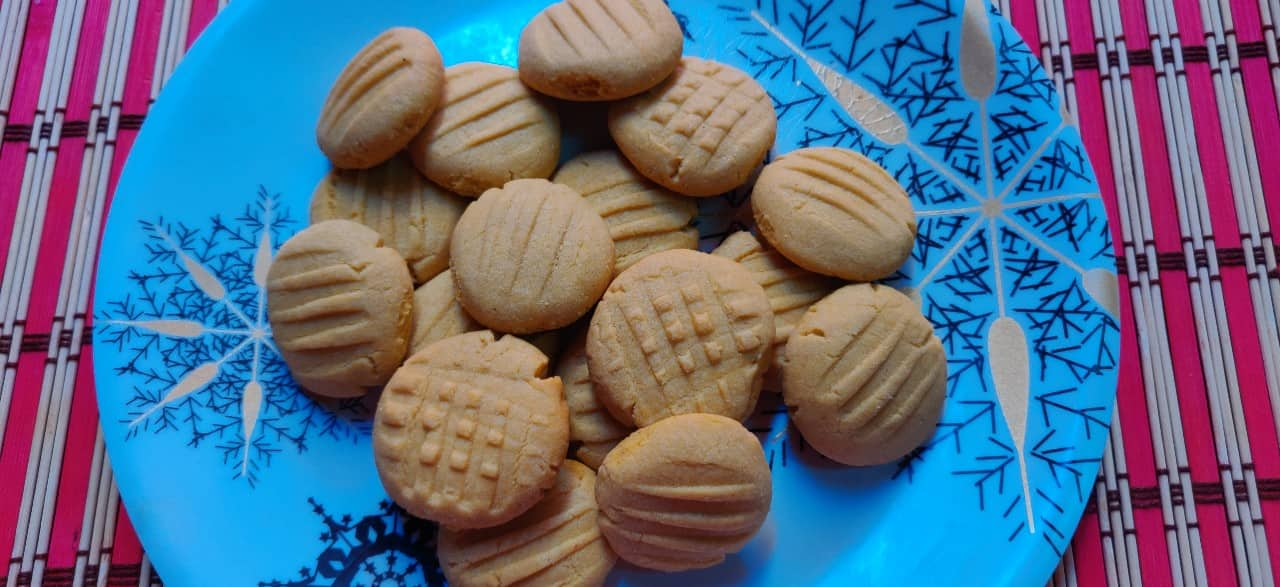 cutard_cookies - 56431928_2214353655495432_5864959154732400640_n.jpg