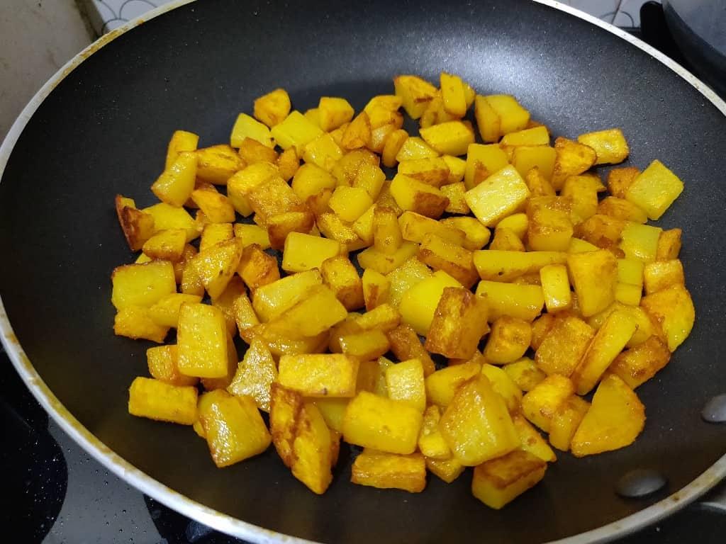 potato_fry - 57013492_1171792209649159_8112883718210715648_n.jpg
