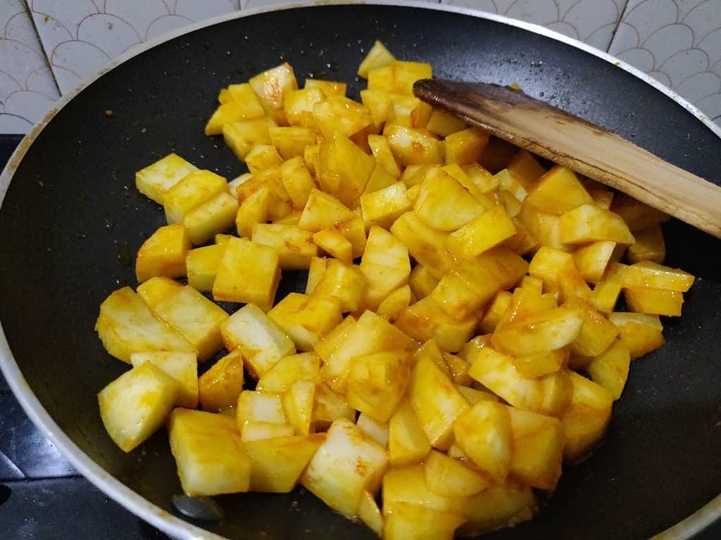 potato_fry - 57775061_2403679349662975_63438174495440896_n.jpg