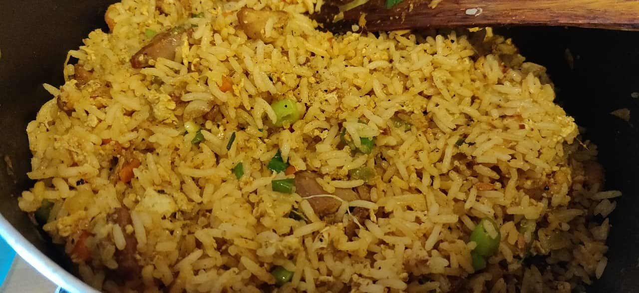 schezwan_chicken_fried_rice - 56605038_855250948143418_6392023582653808640_n.jpg