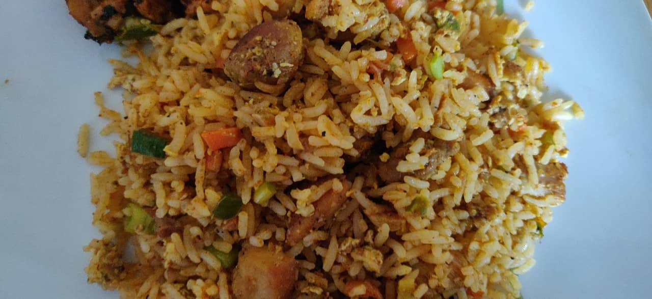 schezwan_chicken_fried_rice - 56649410_2453862741330619_4534118170327252992_n.jpg