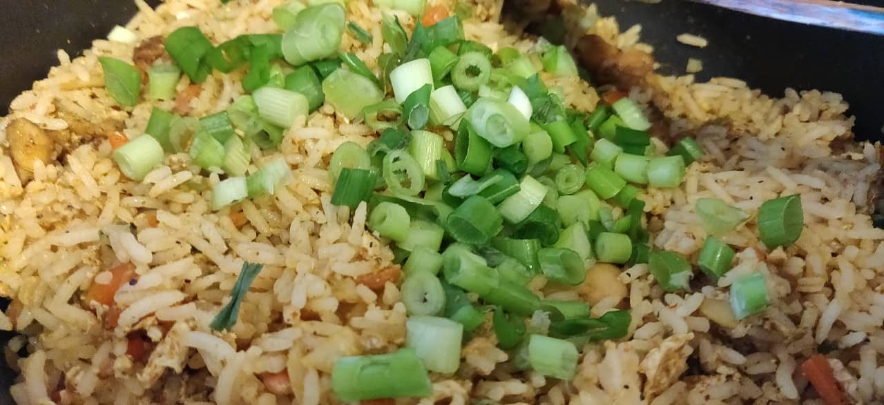 schezwan_chicken_fried_rice - 56837254_382901368973212_6592680082446221312_n.jpg