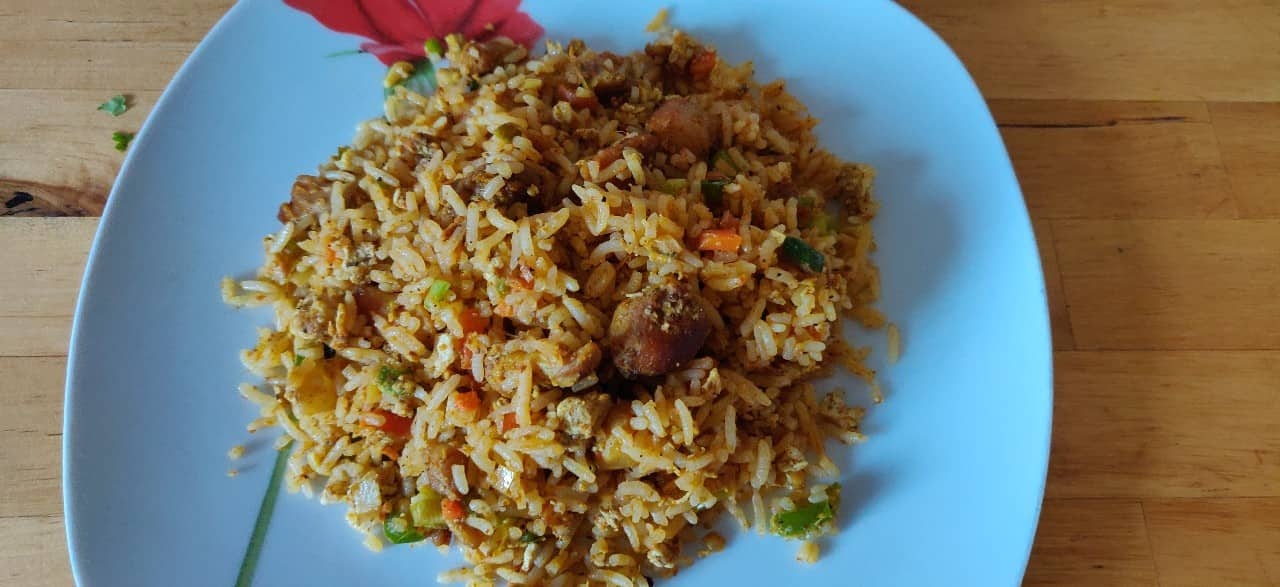 schezwan_chicken_fried_rice - 56874345_427451874685021_137764481928265728_n.jpg