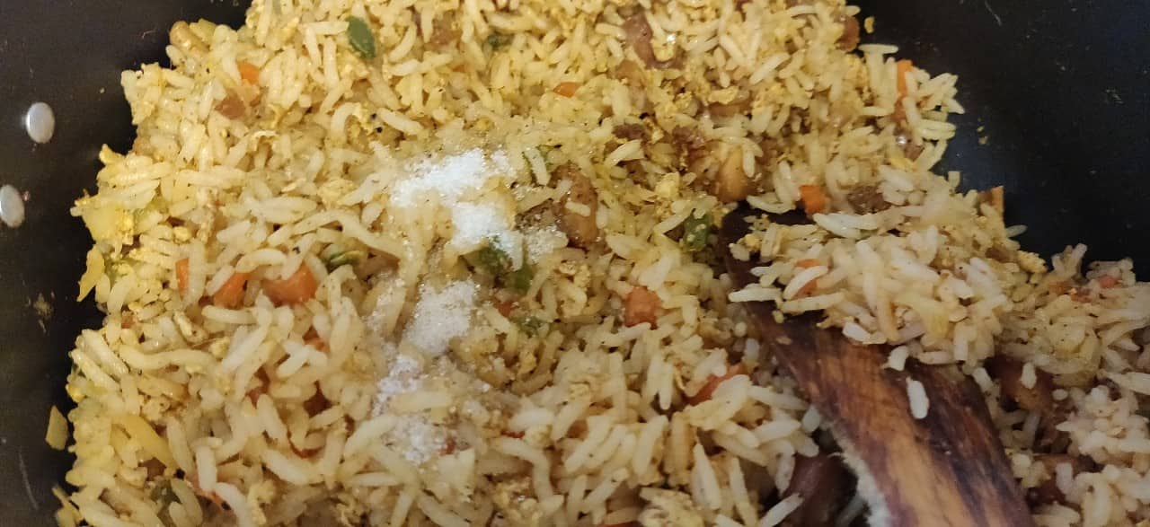 schezwan_chicken_fried_rice - 57015665_422058171954087_8361740243669352448_n.jpg