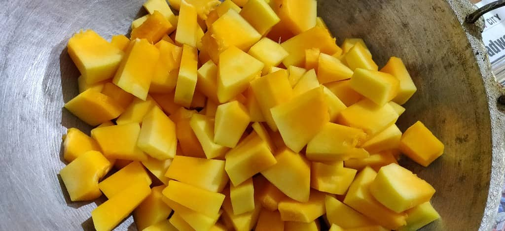 raw_papaya_dry - 61468308_2723688307703627_3853910919620853760_n.jpg