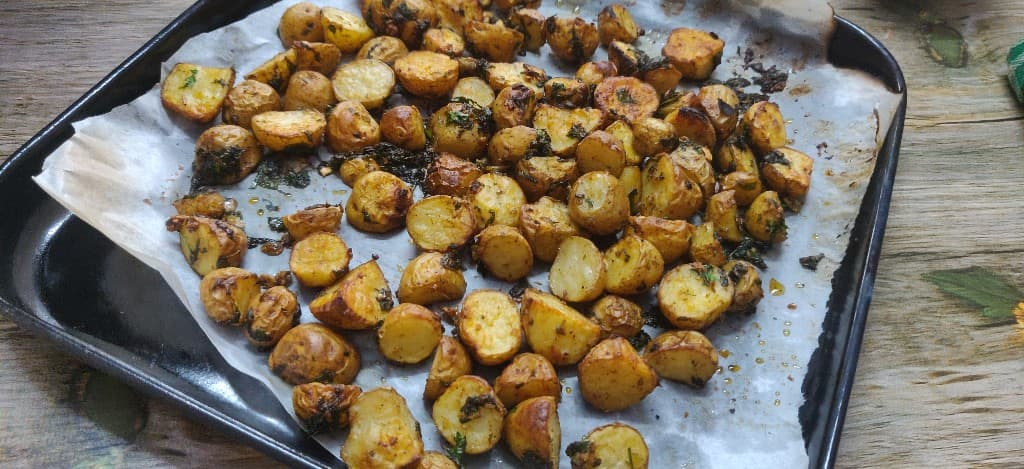 herb_roasted_potatoes - 67410065_466623440787744_7721628591435284480_n.jpg