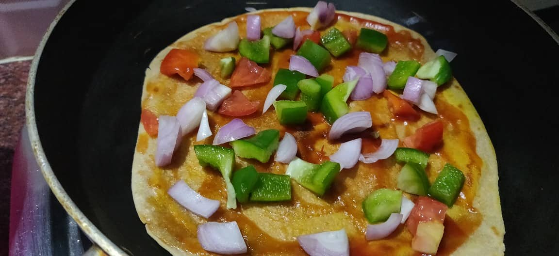 Chapati_pizza - 69625997_683777142136916_5948526127252242432_n