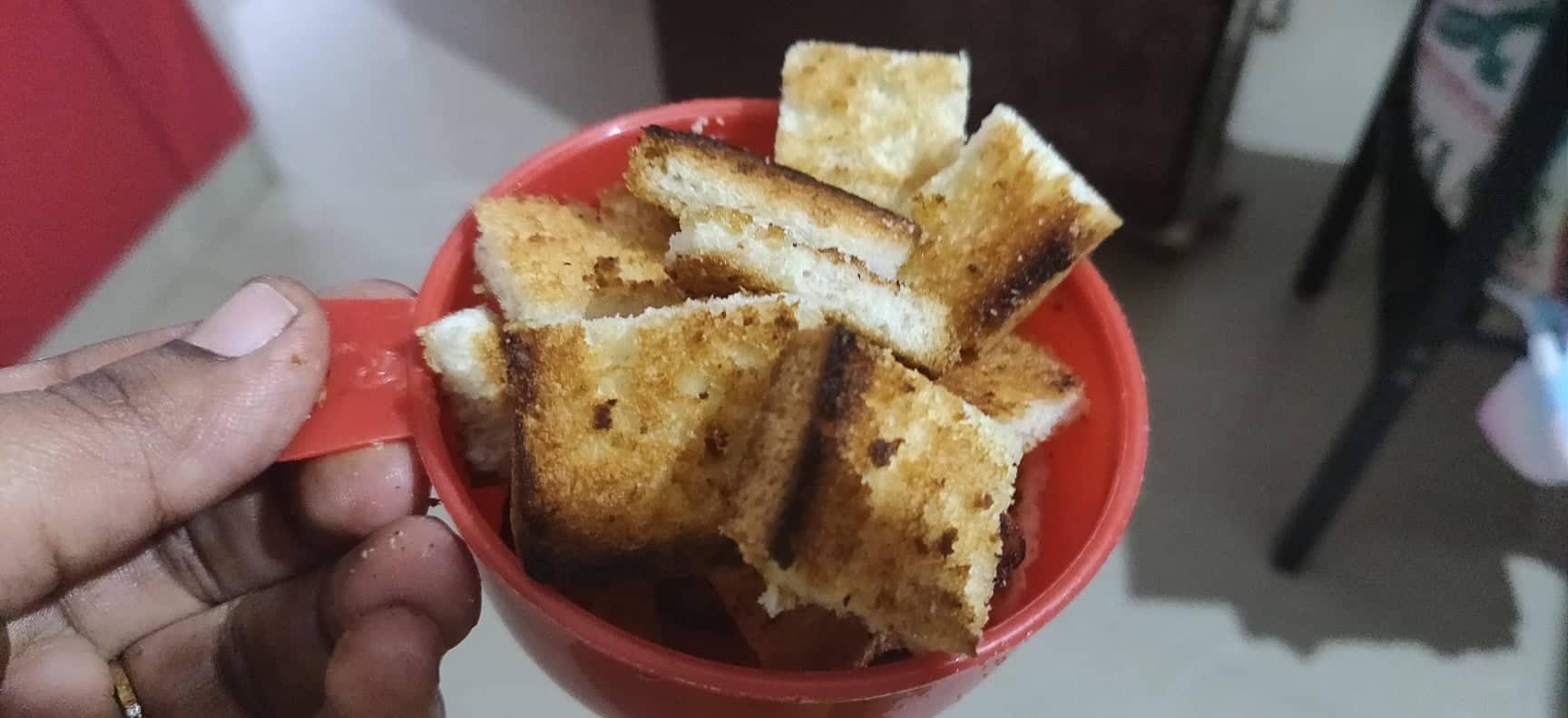 tomato_soup - bread croutons