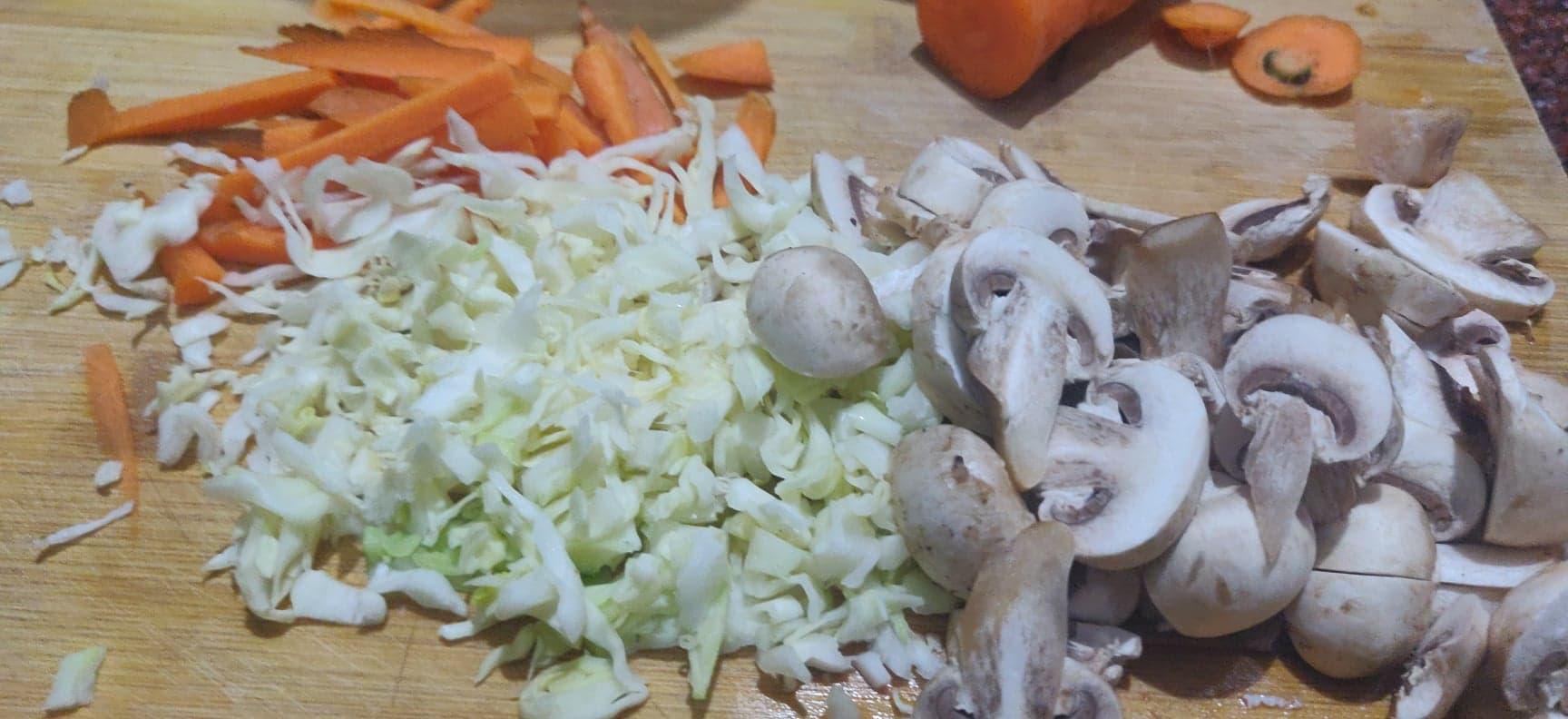 mushroom_noodles - 83308241_3070707952941658_3685627920505634816_n