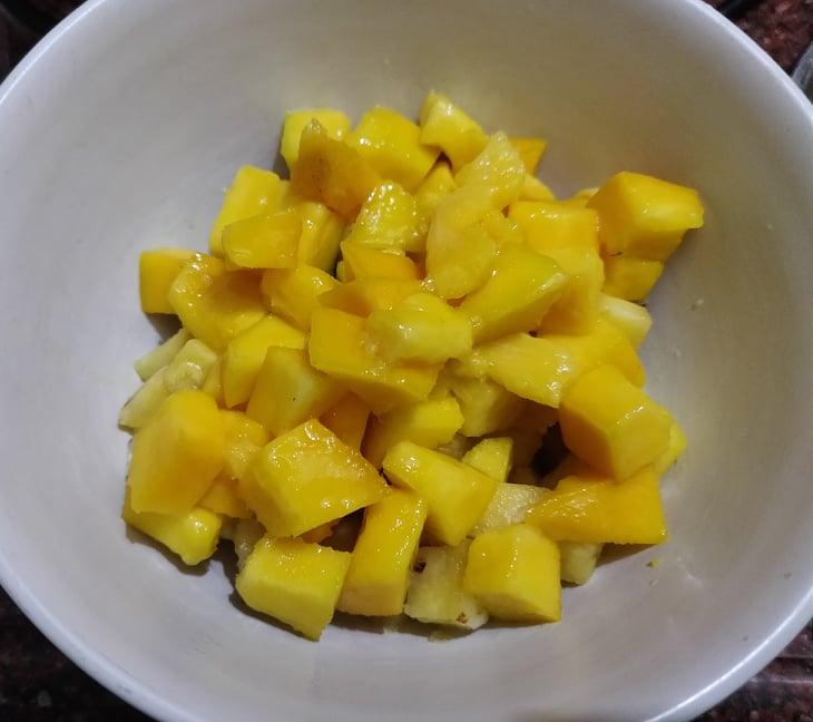 Pineapple_mango_salad - 106597674_372902533686302_5688640213709731319_n