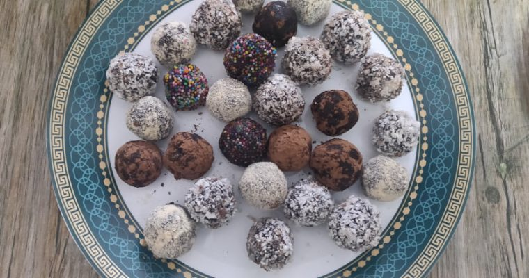 Dark Chocolate Truffles Recipe | Easy Chocolate Truffle