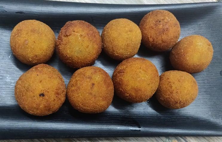 potato_cheese_balls - 159377828_2822939861300998_6779713014644094522_n