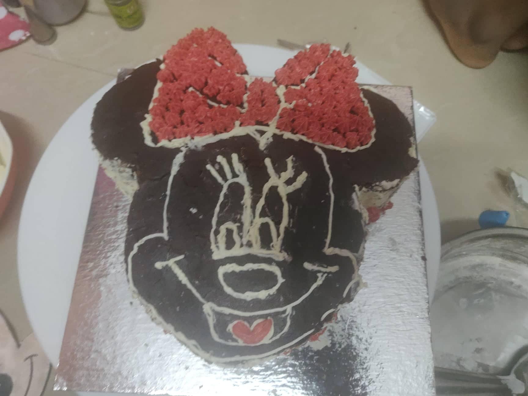 Minnie_Mouse_Cake - 178429236_229482262286267_4091500001843732757_n