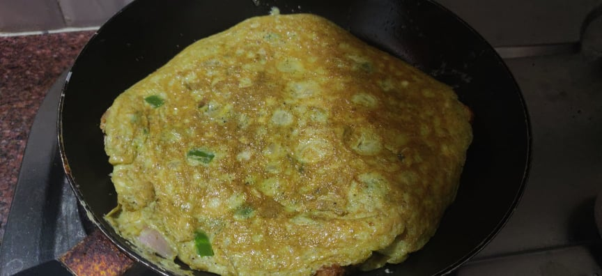 Bread_omelette_pizza - 191355217_917914778783622_1208009437679395406_n
